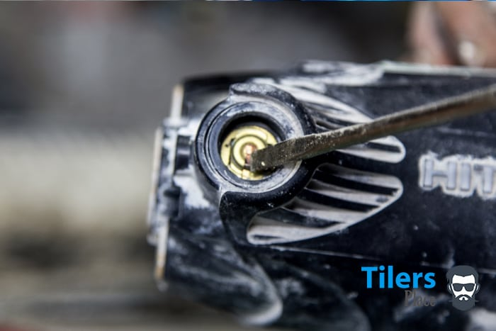 how to replace the brushes in a tile saw